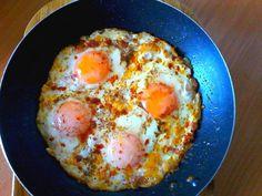 Wspólne smaki: Jajka po Afrykańsku Breakfast Dishes, Breakfast Ideas, Grilling, Good Food, Food And Drink, Appetizers, Eggs, Diet, Ethnic Recipes