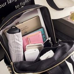 Female Bag Knapsack Mini Rivet Backpack Travelling Bag is designer and cheap on Newchic. School Bag Organization, Backpack Organization, Inside My Bag, What's In My Purse, Backpack Essentials, Study Pictures, College Bags, What In My Bag, Coque Iphone