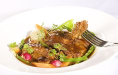 Navarin de cordeiro, prato servido no restaurante Allez, Allez! (Foto: JCarvalho / Editora Globo)