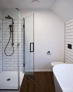 Shower Inspiration @crestshowers #mastershower #showergoals #HomeIdeas #HomeStyling #HomeInspiration #BathroomDesign #BathroomRemodel #NewShower #ShowerNiche #ShowerTile
