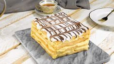 Mille-Feuille Is The French Vanilla Pastry Of Your Dreams French Desserts, Köstliche Desserts, Dessert Recipes, Mousse Au Chocolat Torte, Portuguese Recipes, Happy Foods, French Vanilla, Cookies Et Biscuits, Food Inspiration