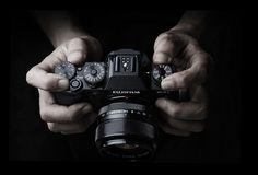 Cerchi una mirrorless per uso professionale?http://tecnicafotografica.net/mirrorless-per-uso-professionale/?utm_content=buffer4598a&utm_medium=social&utm_source=pinterest.com&utm_campaign=buffer