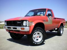 1979 Toyota 4×4 Pick-Up. i wish i could find an old 70's-80's minitruck this clean