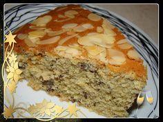 Υλικά:     400γρ αλεύρι που φουσκώνει μόνο του  100γρ αμυγδαλόψιχα τριμμένη  5 αυγά  250γρ βούτυρο(εγώ χρησιμοποιώ lurpak )  1 1... Greek Desserts, Greek Recipes, Cheesecake Brownies, Cake Bars, Christmas Time, Banana Bread, Food To Make, Caramel, Cooking Recipes