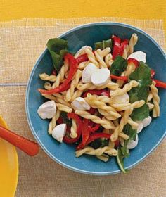 Pasta With Peppers and Mozzarella