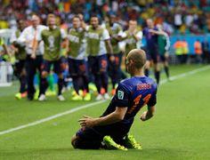Holanda chega ao quinto gol sobre a Espanha! http://glo.bo/1xVIVZ3 pic.twitter.com/CQIDLYe9iA