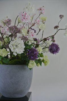 Zijden bloemstuk gemaakt van de mooiste zijden bloemen bloemstukken huren voor bedrijven - Koffiebar decoratie ...
