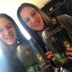 Seeing these twins holding their copies of Evarance - Rise of the Shadows brings me so much joy! :D #yafantasy #evarance #youngadultfiction