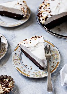 Mint Chocolate Cream Pie! Like instant chocolate pudding in pie form, but way better. A hint of peppermint makes this dessert festive. #pudding #CreamPie #holiday #dessert #MintChocolate