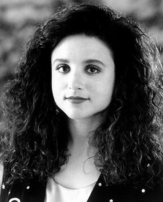 julia louis dreyfus curly - Google Search.....Now, she straightens her hair almost all the time...