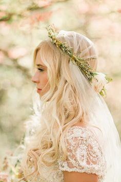 Loose Bridal Hair and a Floral Crown | Megan Robinson Photography and Leslie Dawn Events | Blush and Rose Gold Woodland Wedding Shoot