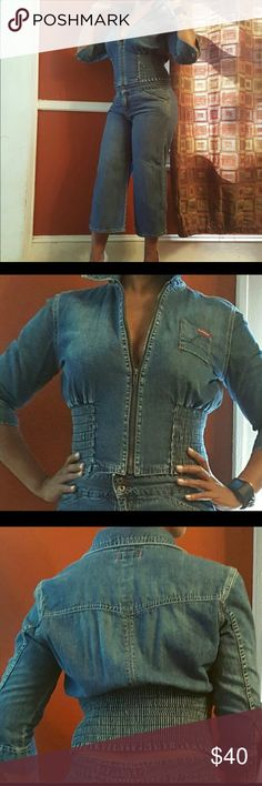 Chic Guess Denim outfit. Very stylish. Chic Guess Denim outfit. Very stylish. Jeans Euro size 30 (Us size 10) Jacket size Large. GUESS Jeans
