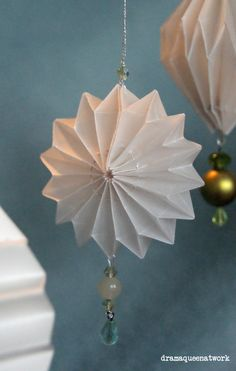 Yes, please! Papier Plissee Anhänger Origami Paper Ornaments Origami Ornaments Origami Lanterns Origami Lampions