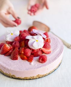 strawberry, raspberry, mascarpone cheesecake!