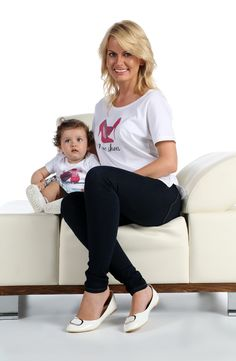 I Love Shoes Matching Mother and Baby Tshirt and Bodysuit Set Cute Baby Girl Outfits, Baby Outfits Newborn, Mom Outfits, Cute Baby Clothes, Father And Baby, Mom And Baby, White Baby Shoes, Christening Shoes, Mom And Daughter Matching