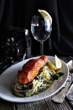Light Recipes, Entrees, Healthy Recipes, Healthy Food, Salmon, Spaghetti, Food And Drink, Easy Meals, Low Carb