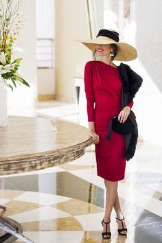 Invitada boda invierno otoño tocado estola iberostar Vestido Invitada Boda  Dia 6f956b7d4c0