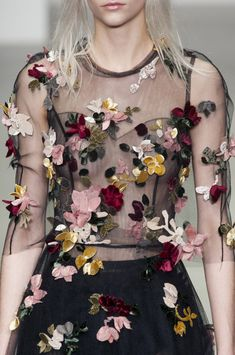 John Rocha Fall 2014 RTW  - embroidered flowers