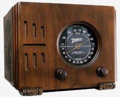 """1938 Zenith 5-R-216 """"Cube"""" Radio (USA) Abandoned Houses, Abandoned Castles, Abandoned Mansions, Abandoned Places, Radio Antigua, Abandoned Amusement Parks, Retro Radios, Antique Radio, Timber Wood"""