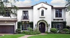 Stucco Finish Guide – Exterior White Stucco Finishes – Three Coat Stucco – One Coat Stucco – Exterior Insulation and Finish Systems – Santa Barbara Variable – Santa Barbara Smooth – Dash – Fine Sand Small Mediterranean Homes, Mediterranean Architecture, Mediterranean Recipes, Best Exterior House Paint, Exterior House Colors, Exterior Paint, Spanish Style Homes, Spanish House, Style At Home