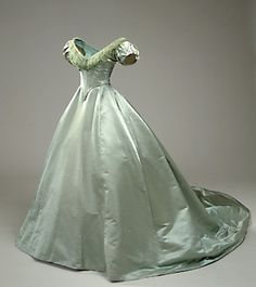 """Satin evening gown, dated """"1860-70,"""" Danish, National Museet collection: 667a/1941. Site in Danish. Also has a graphed pattern taken from the extant dress."""