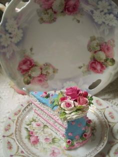 (Shawnda Rose) Fake Food Slice of Cake Shabby Pink Roses Victorian
