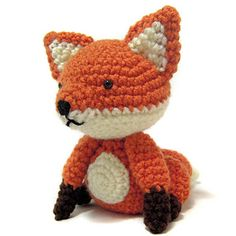 Sitting Fox - free crochet pattern by i crochet things.