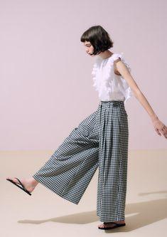 Skirt Pants, Female Fashion, Womens Fashion, Style Icons, Winter Outfits, Style Me, Autumn Fashion, Fashion Photography, Women Wear