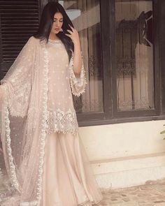 A-Line Wedding Dresses Collections Overview 36 Gorgeou… Shadi Dresses, Pakistani Formal Dresses, Pakistani Fashion Party Wear, Pakistani Wedding Outfits, Pakistani Bridal Dresses, Pakistani Dress Design, Nikkah Dress, Bridal Outfits, Pakistani Sharara