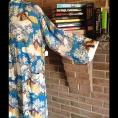 ❤️BEAUTIFUL, BRIGHT & BLOOMING❤️ THIS KIMONO LOOKS ABSOLUTELY AMAZING! THE VIVID COLORS OF BLOSSOMING FLOWERS ARE BEAUTIFUL❤️ Vintage Jackets & Coats