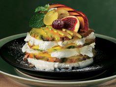 Ananas Dilimleri ve Vanilyalı Dondurma