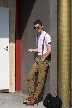 #Copenhagen #Streetstyle #Mensstyle #Menswear #MONOBI Cream Suit, Cream Pants, Street Look, Men Street, Copenhagen Street Style, Red Suspenders, Look Plus Size, Men Looks, Scandinavian Style