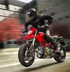 Ducati Hypermotard. Shex on two wheels.