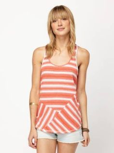 Get Free Shipping to the US and Canada from Roxy  #SummerCatalogsContest