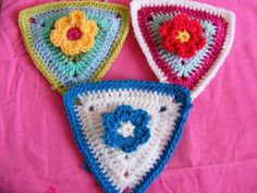 Crochet flower bunting / triangles (PATTERN)