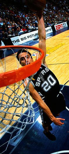 This is the coolest thing Basketball Legends, Basketball Teams, College Basketball, Motogp, Bmx, Nba Europe, Manu Ginobili, Corvette Summer, Shooting Guard