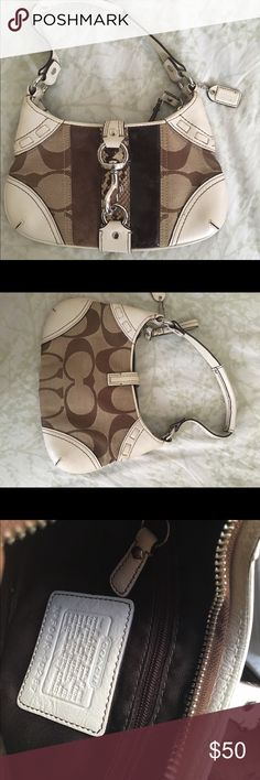 Authentic Small Coach Purse Small, authentic coach purse. Great to use as a clutch for keys, wallet and phone. Am happy to answer any questions! Thanks for looking and shopping my closet! Coach Bags Mini Bags