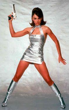 Vanessa Kensington - Elizabeth Hurley - Austin Powers, International Man of Mystery 1997 Elizabeth Hurley, Halloween Outfits, Halloween Costumes, Bishoujo Statue, Space Fashion, Botas Sexy, Look Man, Space Girl, The Bikini