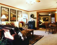 Just look at the room size! One of a kind artwork and decor just like home. #homeawayfromhome #staycation #letsgettogether #westviewbb #bedandbreakfast #lodging #hotels #LNK https://www.instagram.com/p/BLRYOapDvTO/ via http://www.westviewbb.com