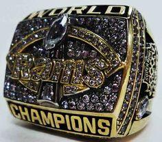 1999 St. Louis Rams NFL Super Bowl Championship Replica Rings.