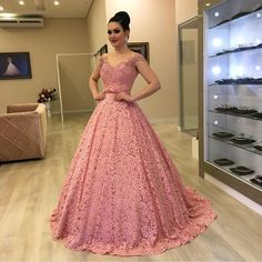 A-Line Wedding Dresses Collections Overview 36 Gorgeou… Princess Prom Dresses, Pink Prom Dresses, Ball Gown Dresses, Pretty Dresses, Homecoming Dresses, Beautiful Dresses, Formal Dresses, A Line Prom Dresses, Lace Evening Dresses