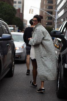 the Street…., New York The Sartorialist / On the Street…., New York //The Sartorialist / On the Street…., New York // The Sartorialist, Look Street Style, Street Chic, Street Wear, Looks Style, Looks Cool, Style Me, Leila Yavari, Cardigan Blazer
