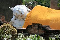 Wat Lokayasutharam - Ayutthaya Thailand