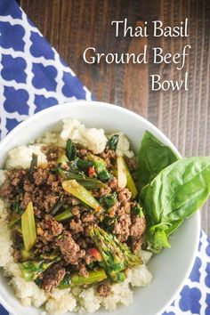 Thai Basil Ground Beef Bowl - Slender Kitchen This healthy version of Thai Holy Basil Beef uses ground beef, and it looks absolutely delicious. Use tamari or coconut aminos for Phase 2 (serve over shredded Napa cabbage or bok choy) and Phase Fast Metabolism Recipes, Fast Metabolism Diet, Metabolic Diet, Diet Recipes, Cooking Recipes, Healthy Recipes, Easy Recipes, Soup Recipes, Potato Recipes