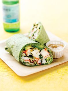 Asian Crunch Crab Classic Alaska Surimi Seafood Wrap with Spicy Soy Mayo - Perfect for lunch time today! Wrap Recipes, Lunch Recipes, Healthy Recipes, Delicious Recipes, Recipes Using Fish, Alaska Seafood, Grilled Turkey, Seafood Dishes, Gastronomia