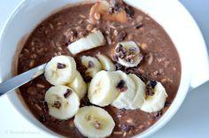 Overnight oats met cacao en banaan is een verkoelend ontbijtje voor op een zomerse dagen. Het recept is suikervrij maar geeft je een flinke powerboost!