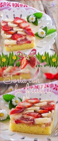 La #torta con la #frutta è la tipica torta #fresca e #velocissima che non può mancare sulle tavole primaverili o estive. La ricetta la trovi qui https://blog.giallozafferano.it/graficareincucina/torta-frutta/