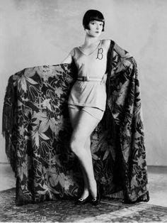Louise Brooks posing