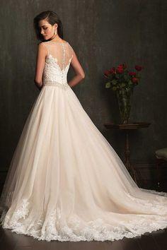De rug van deze jurk is prachtig.