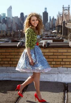 'The Carrie Diaries': first image of AnnaSophia Robb as Carrie Bradshaw revealed #TheCarrieDiaries #SexAndTheCity #SATC. SOSOSOPUMPED!